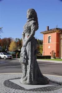 2-Elisabeth-Statue